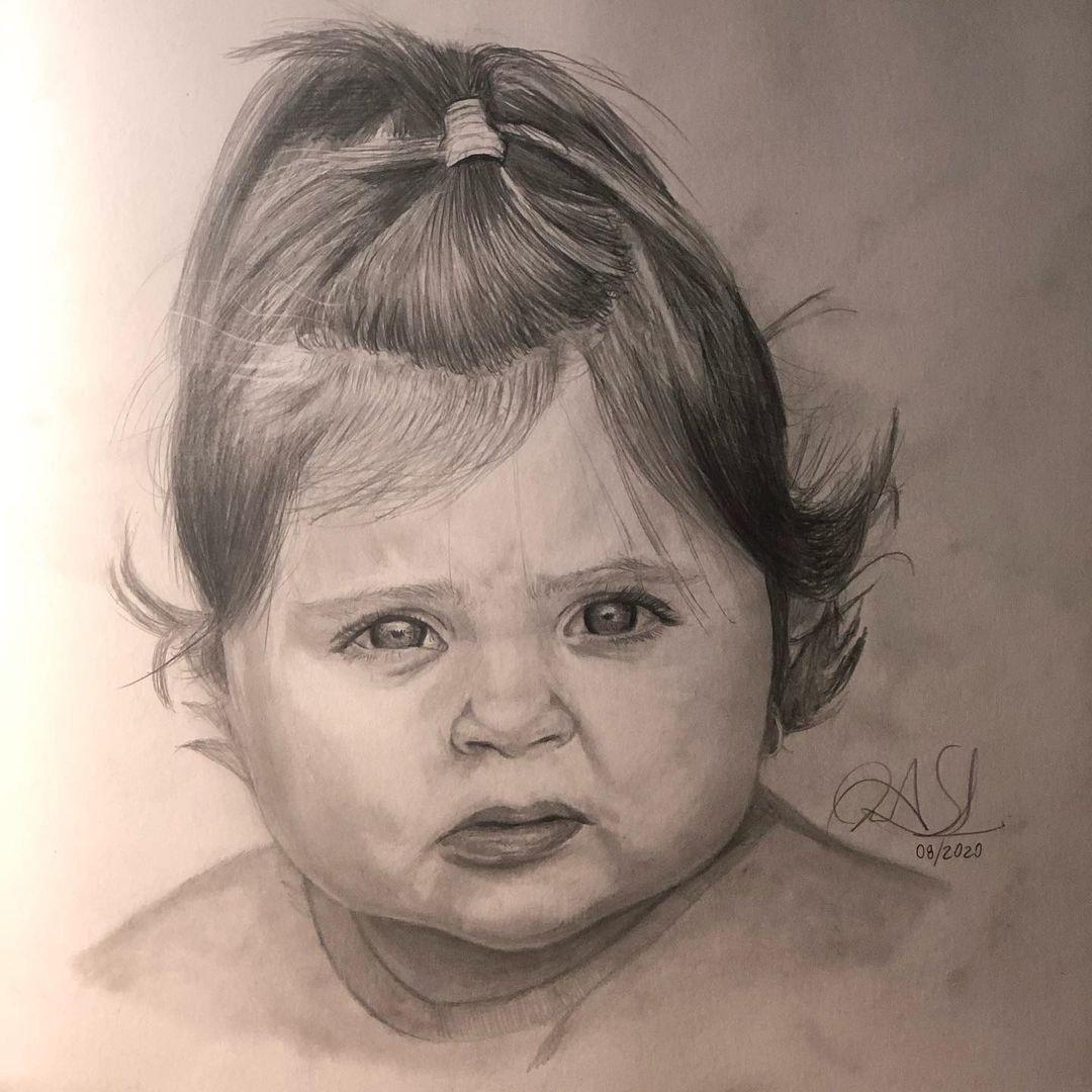 Dibujando a mi pequeña sobrina