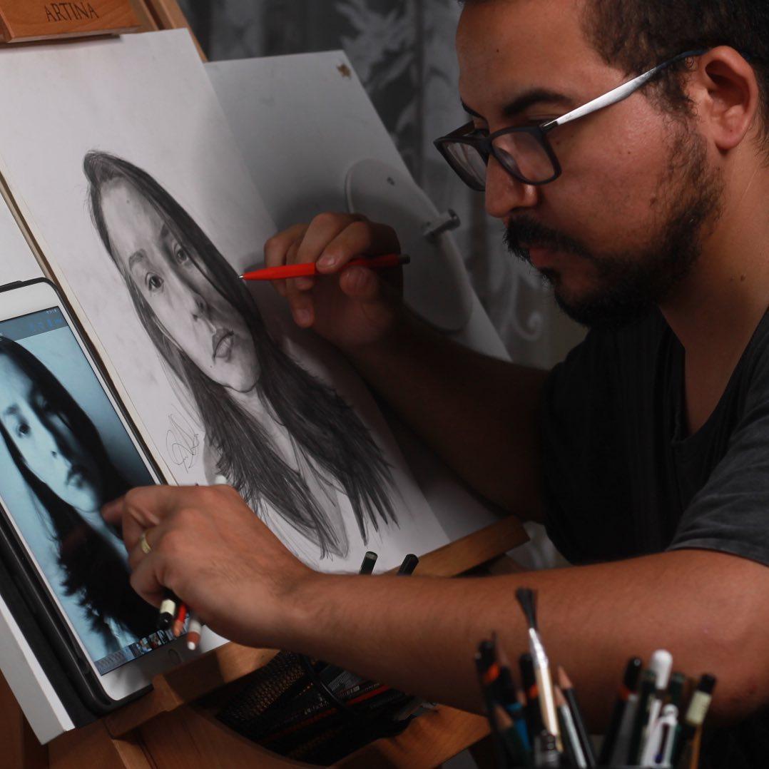 Introducción al Retrato Realista en Grafito